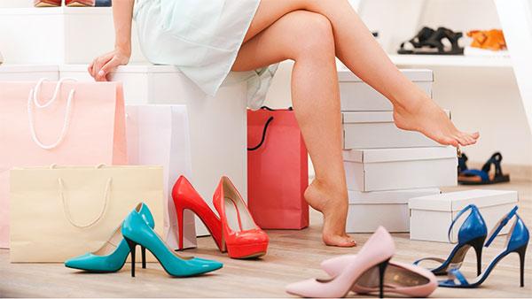 Chọn giày dép tôn dáng - BuaXua.vn